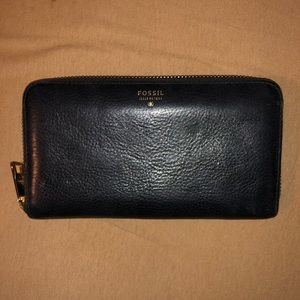Black Leather Fossil Wallet Gently Used Condition
